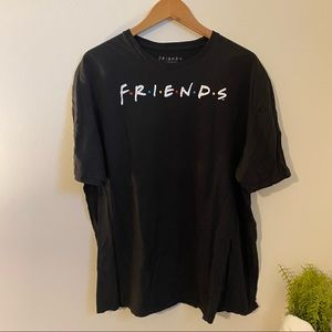 FRIENDS graphic tee black short sleeves plus size